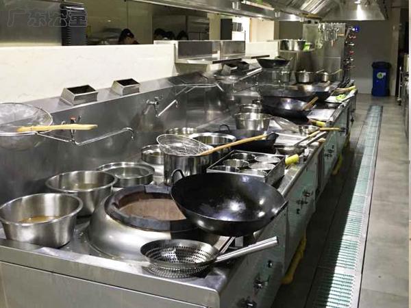 學校里的食堂廚房設計該如何布局